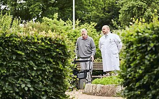 Medical-Park-Bad-Camberg-neurologische-Reha-Garten